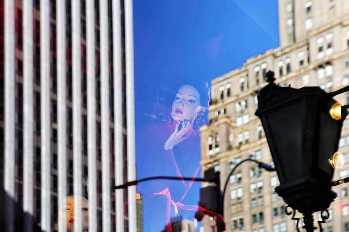 16.06 - Nazan Okay - 5TH AVENUE & WEST 57TH STREET